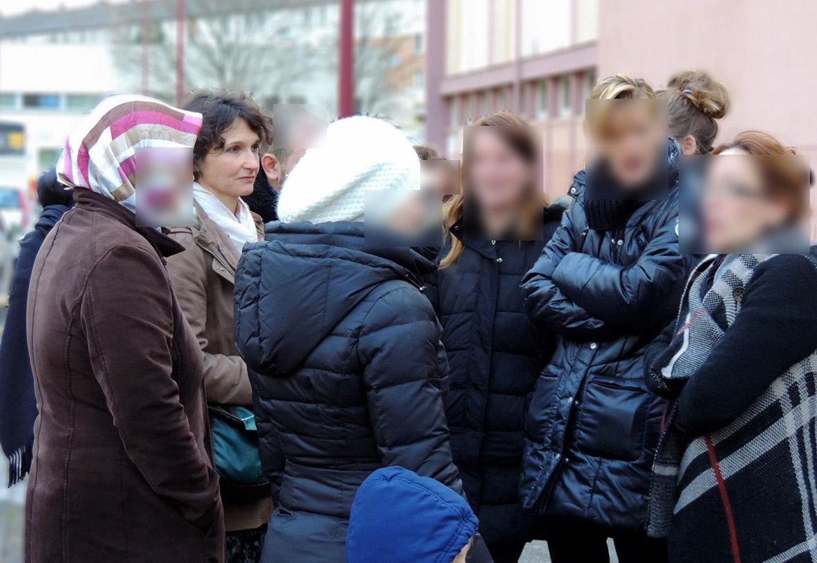 Françoise Grolet soutient les parents des enfants des Ecoles du Chemin de la Moselle