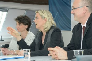 Marine-Le-Pen-a-Metz-14-mars-2014-conference-presse1