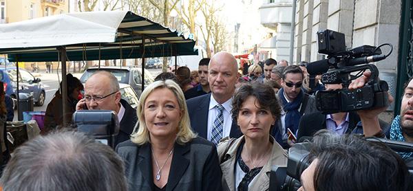 Marine-Le-Pen-a-Metz-14-mars-2014-marcheDSC_7527