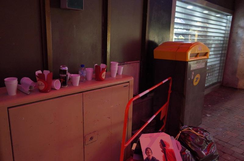 2014-12-07-vin-chaud-poubelles-01