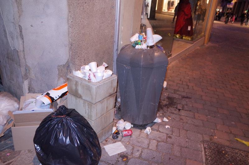 2014-12-07-vin-chaud-poubelles-07