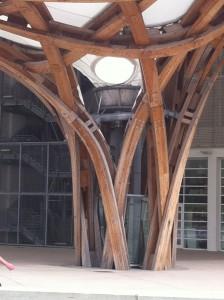 Pilier du toit du Centre Pompidou-Metz