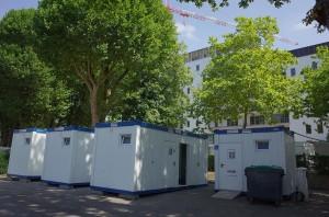 2015-08-11-camping-materilel-interdit-entrepot-manufacture-toilettes-campeurs-R0050606