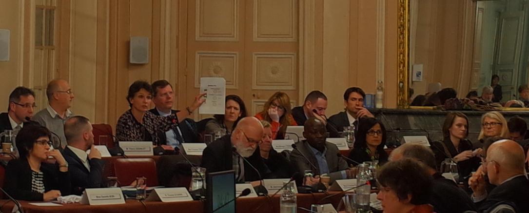 Au conseil municipal, le FN interpelle Dominique Gros sur la perte d'attractivité de Metz, notamment par un stationnement rare et cher.