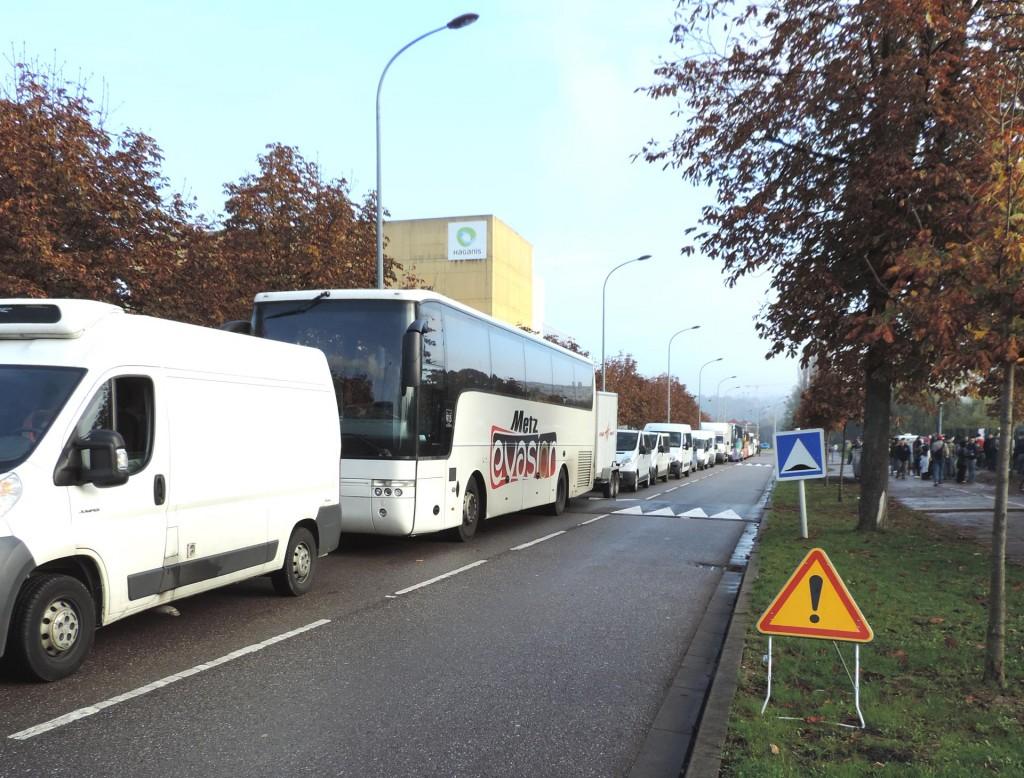 convoi_de_transport_sur_toute_la_rue