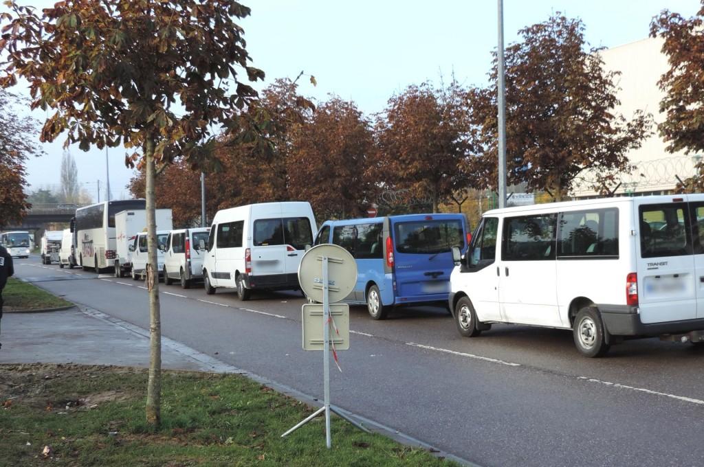 convoi_de_transport_sur_toute_la_rue_3