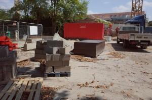 2015-08-11-camping-materilel-interdit-entrepot-manufacture-R0050600